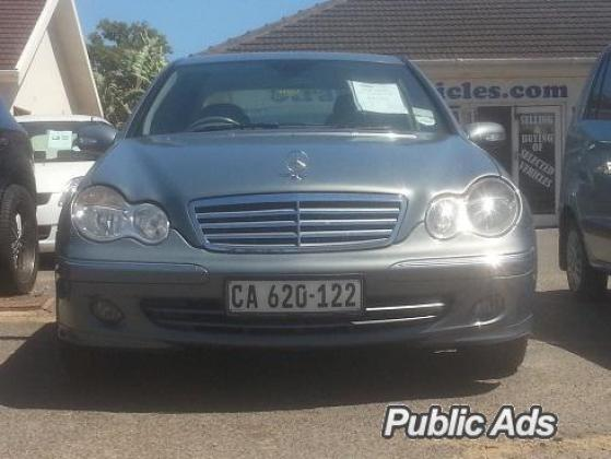 Electric Blue Mercedes-Benz C180K Elegance 2006 R99500