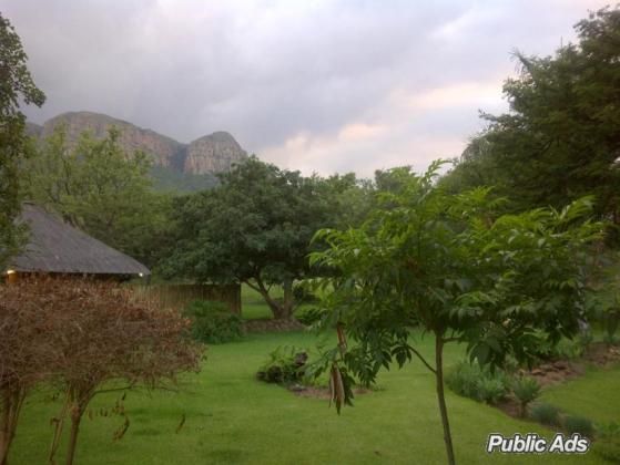 Amazing Grace' Hoedspruit, Kampersrus, Kruger Park, on slope of edge of Drakensburg to Kruger