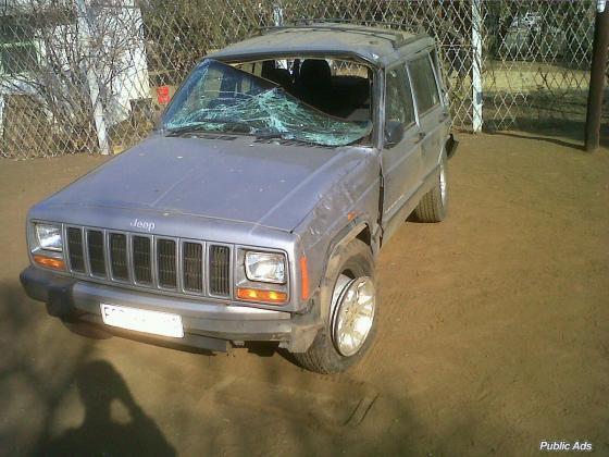 Jeep Cherokee 4.0L straight 6