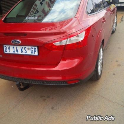 Ford Focus 1.6 Ambiente urgently want to sell my car