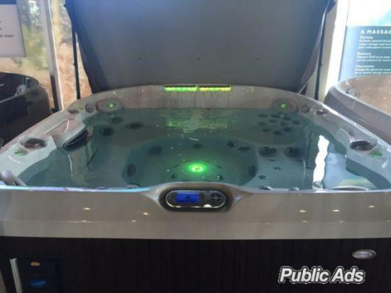 Brand New Jacuzzi for sale