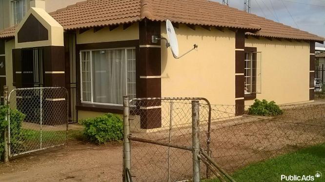 3 bedroom house in Rosslyn