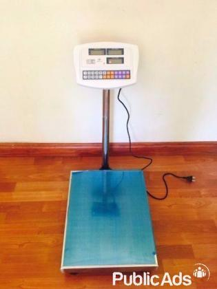 PLATFORM WEIGHING SCALE - WEIGHS UP TO 300 KG'S