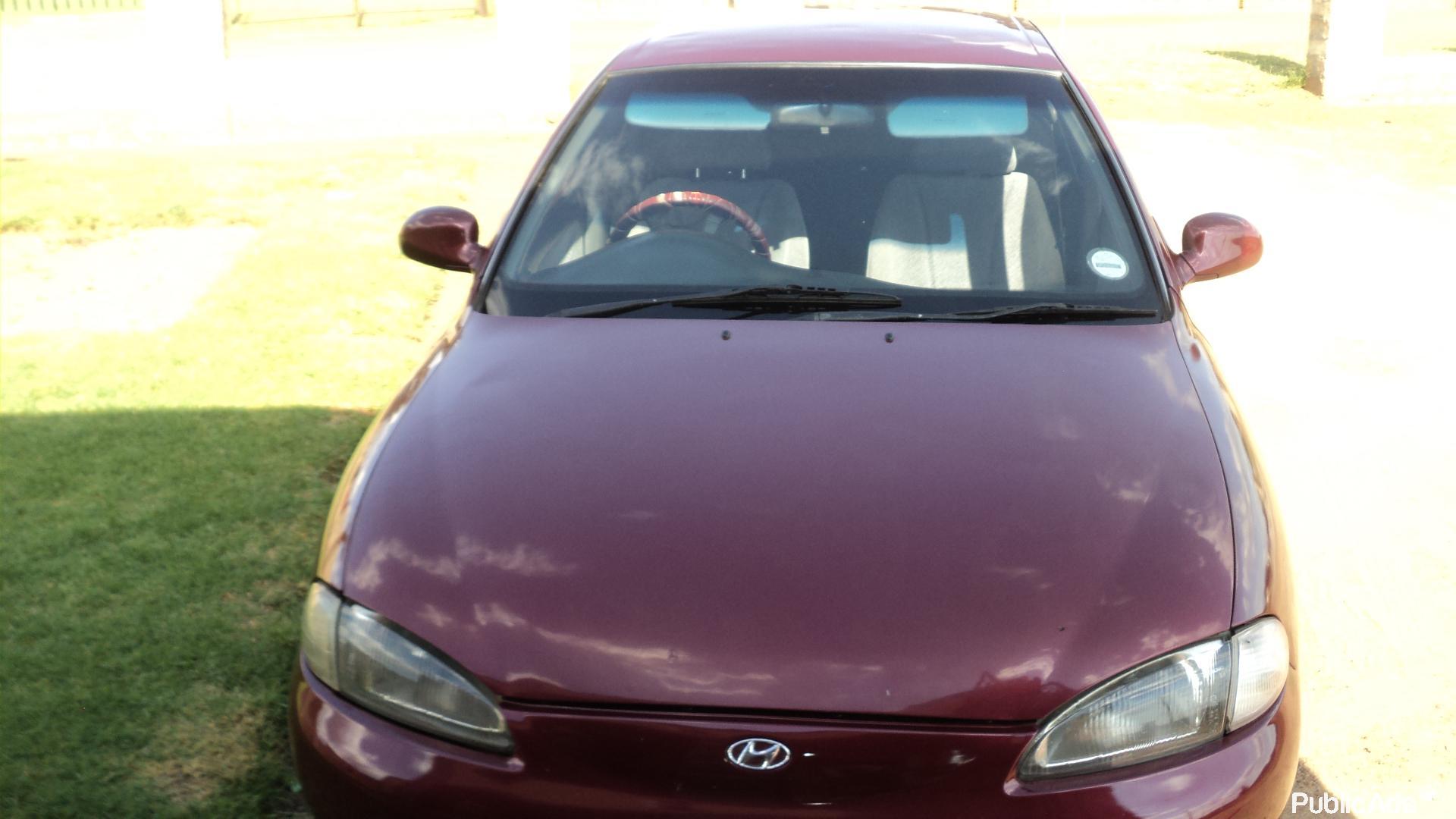 Hyundai elantra 1 8gls 16v