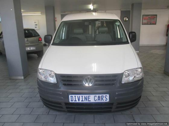 VW Caddy 1.6 2011 model with 4 Doors
