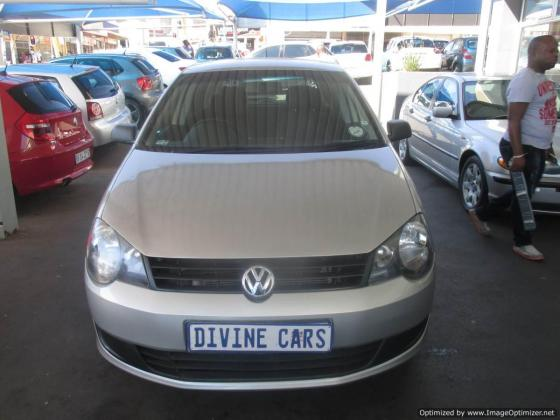 Vw polo vivo 2014 with 4 Doors