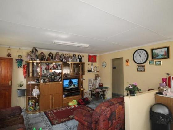 Large Stand Spacious House And Flat For Granny in Witbank, Mpumalanga