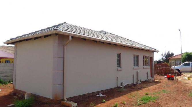 2 or 3 Bedrooms House in Orchards New Development from R541 100
