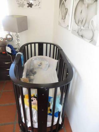 2 x Cots and Changing Table / Compactum