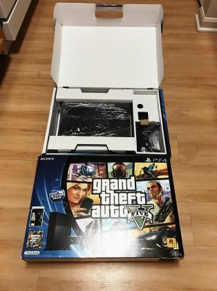 PS4 Grand theft auto V console bundle in Cape Town, Western Cape