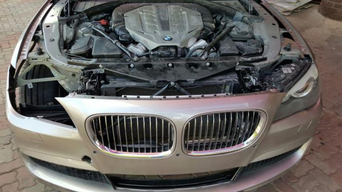 2010 BMW 750i ACCIDENT DAMAGE - CODE2