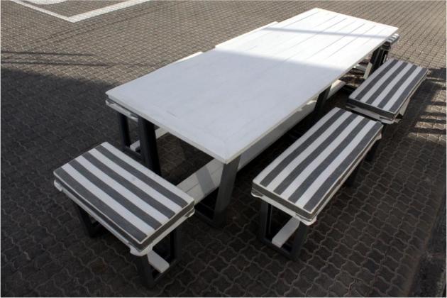 Full Patio Set - Modern Design - Seats 10 - 12 - Cushions Incl