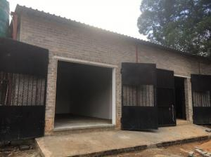 To Let - Mini Factory/Warehouse/Lockup Storage