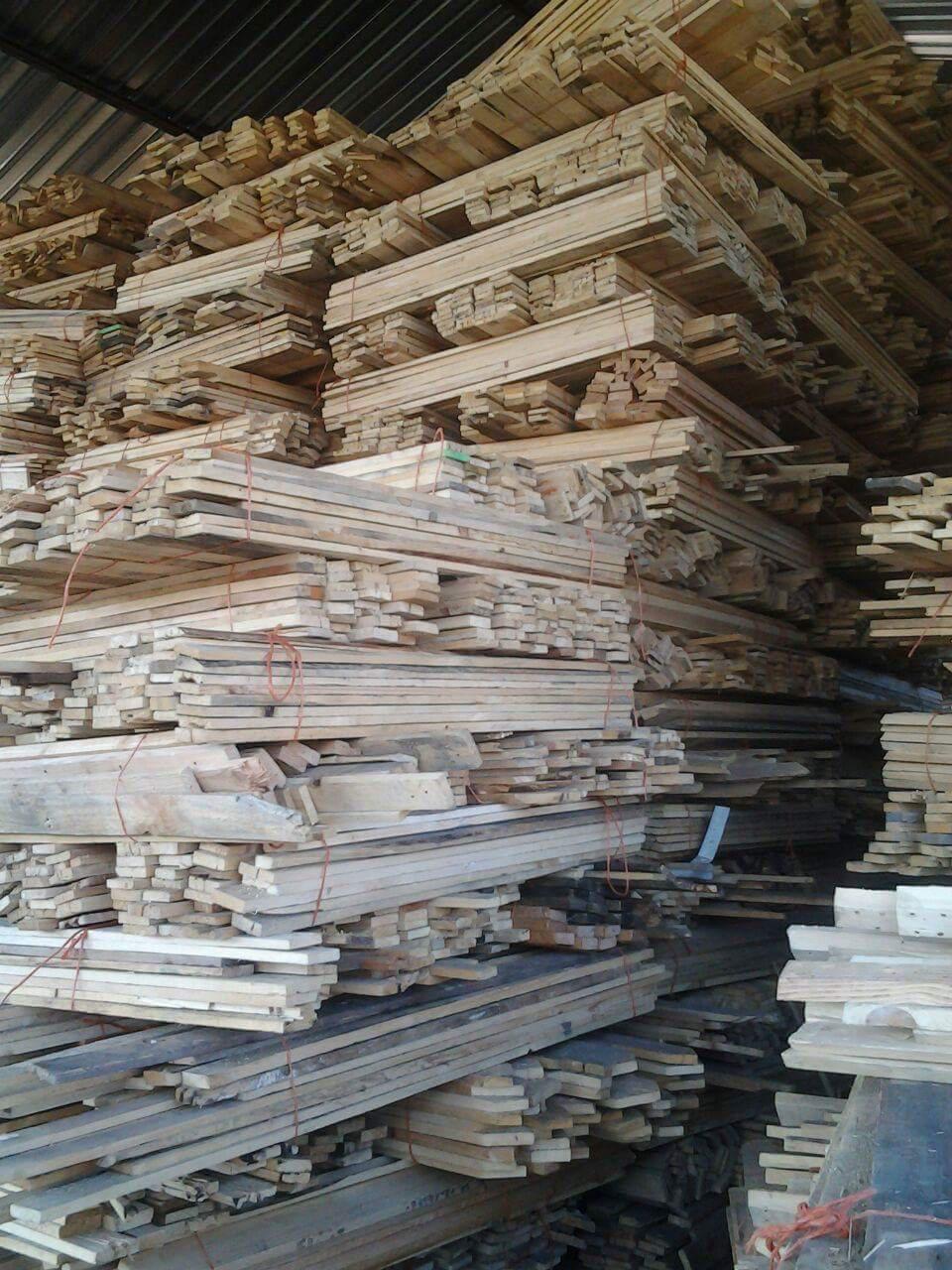 Pallet wood planks for sale. Ideal for furniture, fencing ...