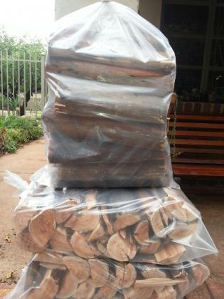 Dry black wattle wood