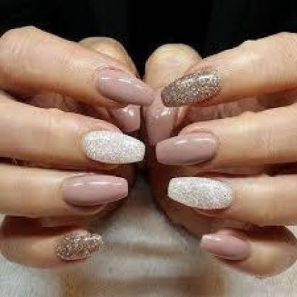 Part time classes in Beauty like nails, make-up, massage with certificate!