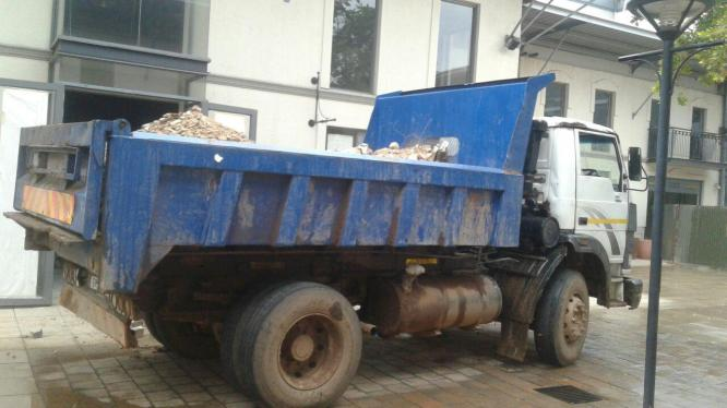 Rubble removals call Alex for tipper trucks hire in Johannesburg, Gauteng