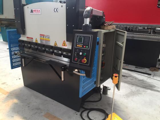 New Press Brake, 40Ton x 1600mm, Motorized Backstops