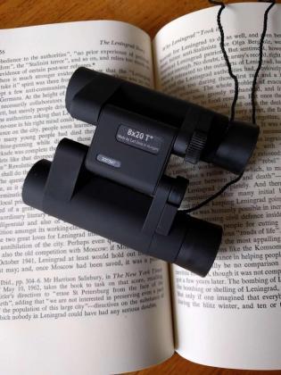 REDUCED - Carl Zeiss Sports Optics CONQUEST (8x20 T*) Binoculars / Leather Case in Albertinia, Western Cape