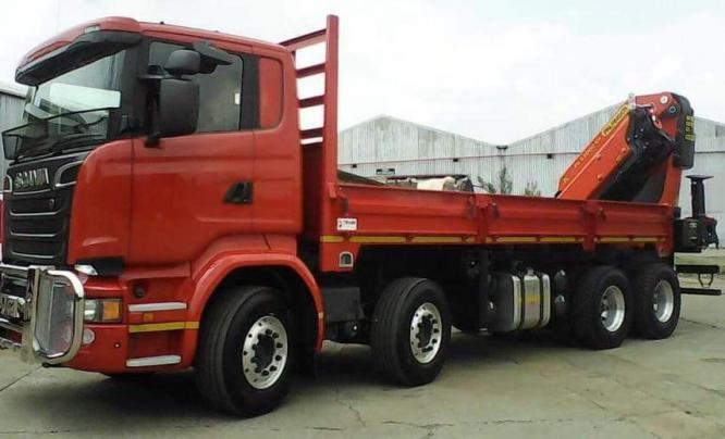 SCANIA TRUCK WITH HEAVY-DUTY PALFINGER PK63002EH CRANE FOR HIRE