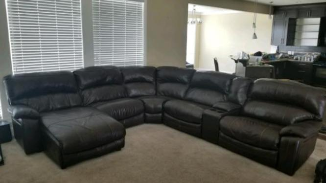 Sectional Couch with automatic Recliners