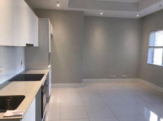 Cleen Single  Bedroom Apartment / Flat to Rent