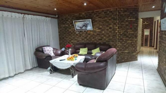 SPACIOUS CLUSTER IN ACCESS CONTROLLED COMPLEX in Alberton, Gauteng