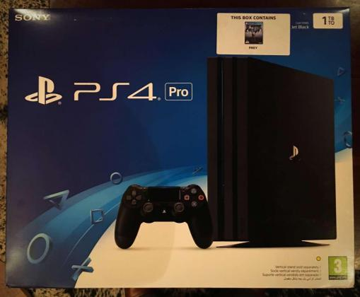 PS4 PRO CONSOLE 1TB in Cape Town, Western Cape
