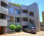 Well looked after complex - Close to all amenities
