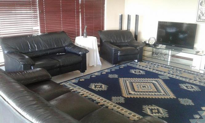 BEAUTIFUL 5 BEDROOM HOUSE FOR RENT IN LOEVENSTEIN BELLVILLE, CAPE TOWN