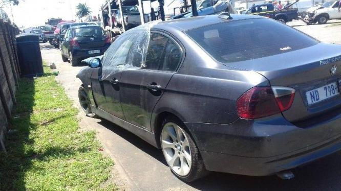 bmw e90 320d stripping for spares in Phoenix, KwaZulu-Natal