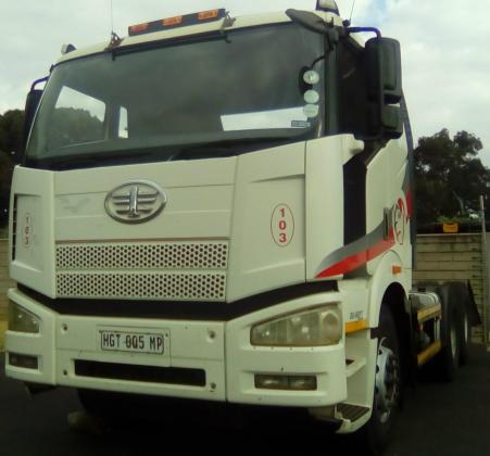 Immaculate Condition!! FAW28-460FT Truck for sale