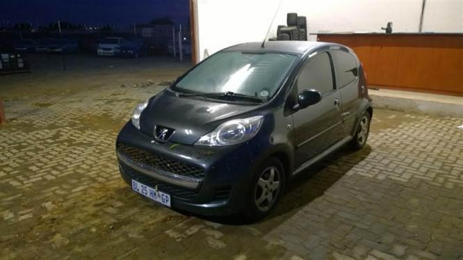 Peugeot 107 breaking for spares