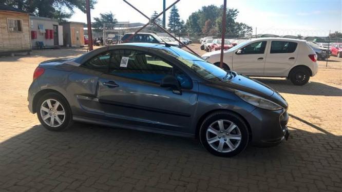 Peugeot 207cc breaking for spares in Pretoria-Tshwane, Gauteng