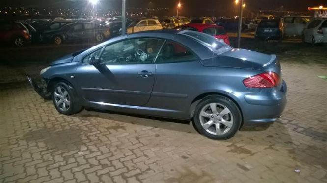 Peugeot 307cc breaking for spares in Pretoria-Tshwane, Gauteng