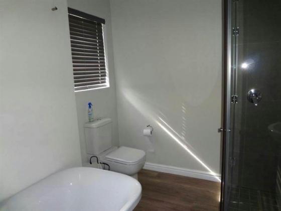 2 bedroom house in Glenhurd