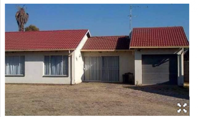BONAERO PARK:-HOUSE FOR SALE