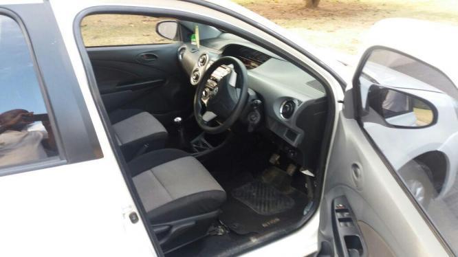 Toyota Etio 1.5 xs sedan 2015
