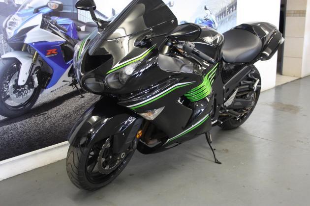 2010 Kawasaki ZX 1400cc black with 25000km (CC101-390)