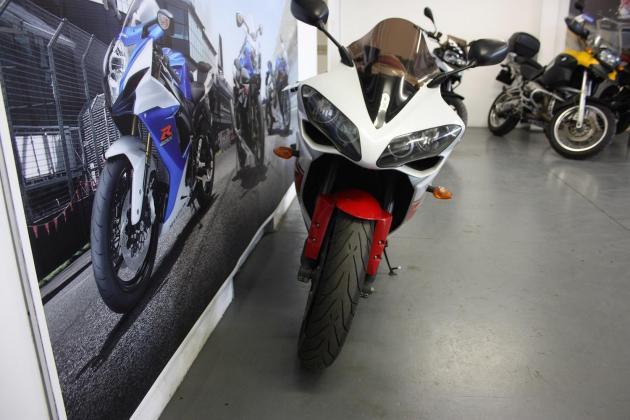 2008 Yamaha YZF R1 (CC101-353)
