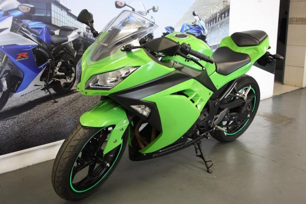 2011 Kawasaki ZX10 1000cc (CC101-409)