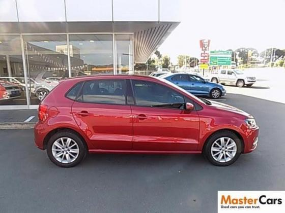 Red polo tsi 2014 in a good condition for sale