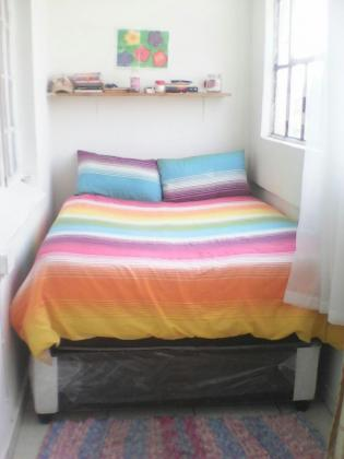 Looking for a female flatmate in Haddon, JHB. Available immediately.