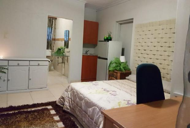 Upmarket Bachelor Flat to rent in Centurion – R4500 in Centurion, Gauteng
