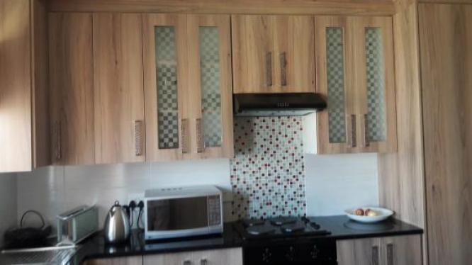 2 bedroom cottage to share in Witpoortjie, Gauteng