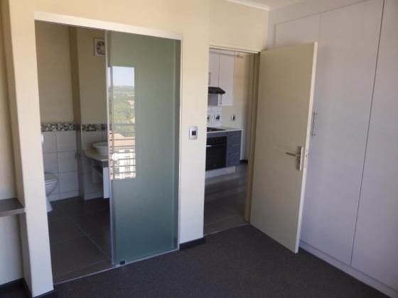 2bed,Duncan Court 7000 Hatfield,Pretoria East