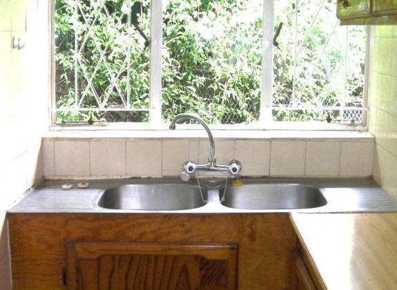 Free-standing garden cottage for rent in Bedfordview