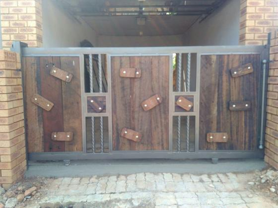 Custom Design Gates for Sale