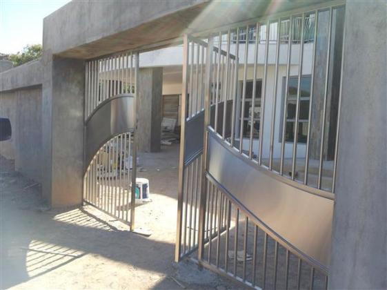 Custom Design Gates for Sale