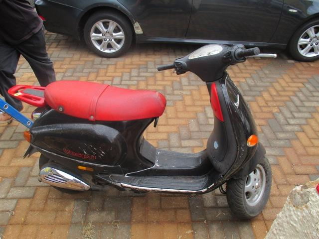 vespa 50cc scooter krugersdorp public ads motorcycles. Black Bedroom Furniture Sets. Home Design Ideas